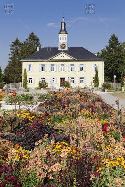 Kurpark / spa park with salinengebaude, bad rappenau, kraichgau, district heilbronn, baden-wurttemberg, Germany