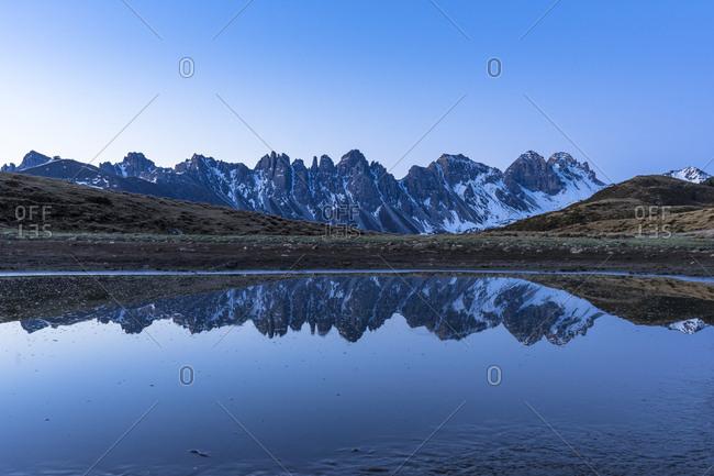 Austria, tyrol, grinzens, salfeins, morning mood at the salfeinssee in the stubai alps