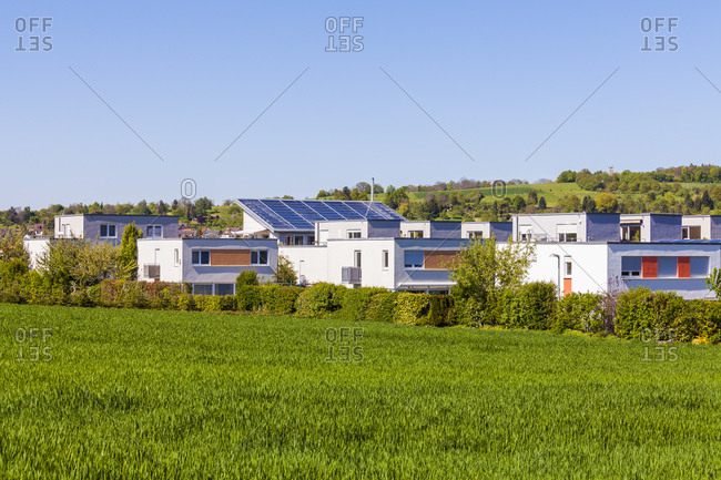 Germany, baden-wuerttemberg, esslingen, residential area Kastenacker, single-family houses, row houses and semidetached houses, small solar local heat network, thermal collector installation with 185 square metres on house roof