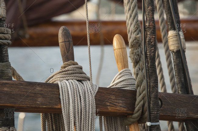 Fastening ropes on a sailing ship