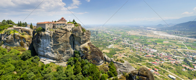 Panoramic picture of the rocky landscape around meteora