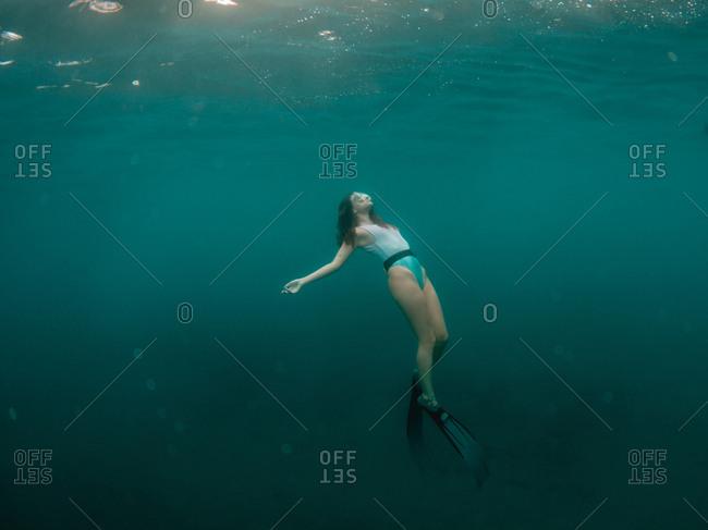Free diving in the ocean