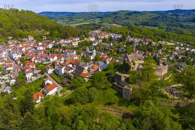 Germany- Hesse- Lindenfels- Aerial view of medieval town with ruined castle in center