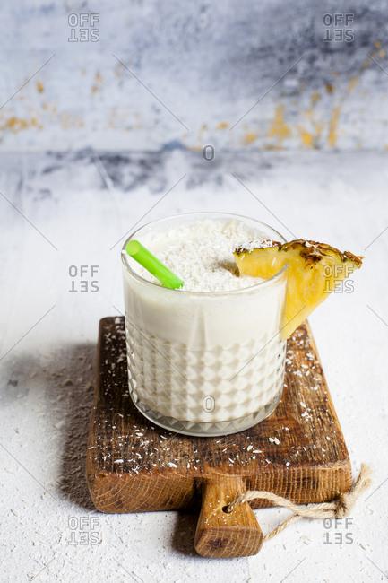 Sugar free pineapple coconut smoothie