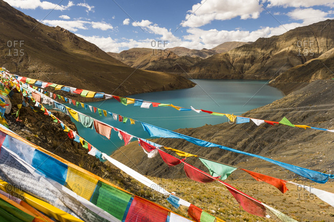 Tibet, the Nangchu river, prayer flags
