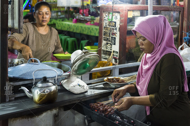 Denpasar, cookshop at the night market