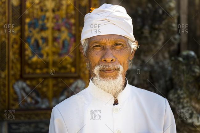 May 24, 2016: Man in the temple Pura Ulun Danau Bratan