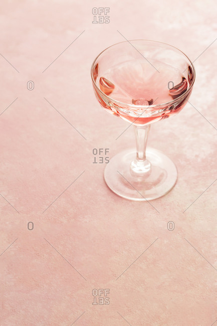 Glass of rose wine - Offset