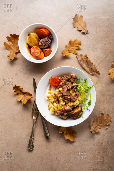 Mashed potato and beef slices