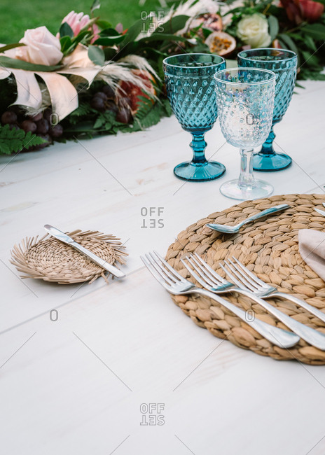 Simple rustic wedding table decoration