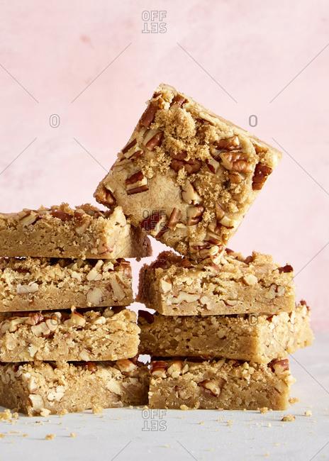 Pecan blondie cookie squares