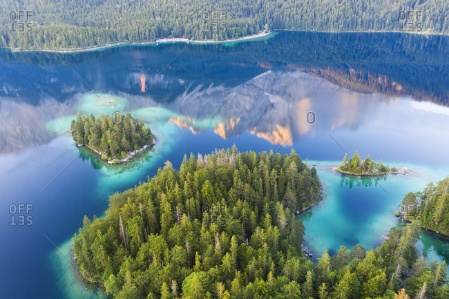 Scenic view of Eibsee with reflection of Zugspitze in morning- Grainau- Werdenfelser Land- Upper Bavaria- Bavaria- Germany