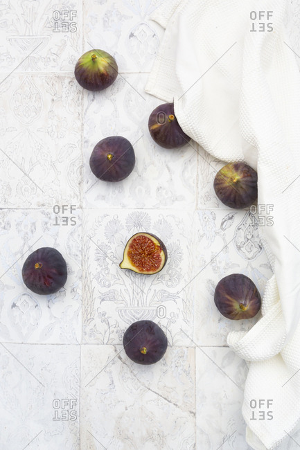 Overhead view of fresh figs