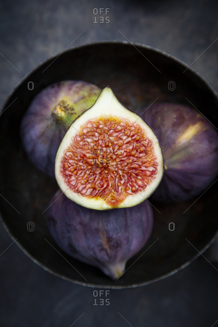 Bowl with figs