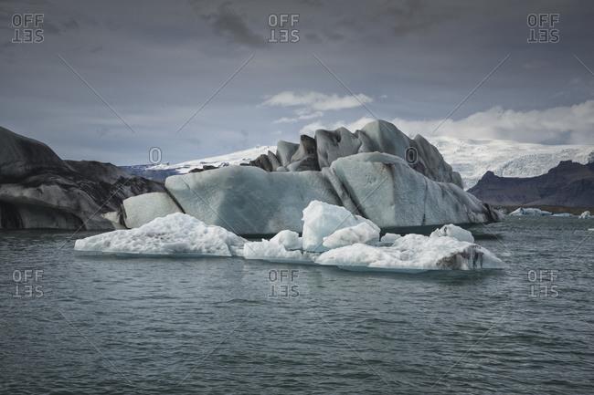 Iceberg in Jokulsarlon glaciar lagoon.