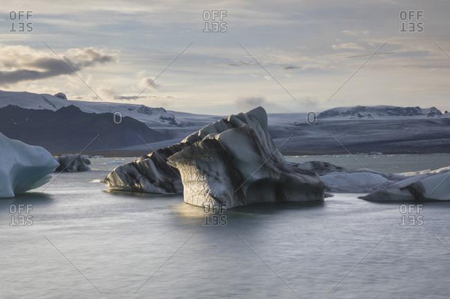 Iceberg over Jokulsarlon glaciar lagoon