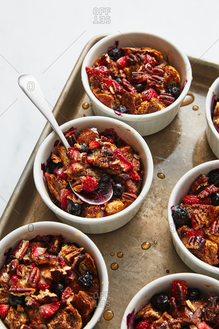 Mixed berry pudding in bowls