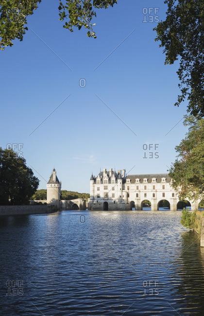 France- Centre-Val de Loire- Chenonceaux- Clear sky over Chateau de Chenonceau and Cher river
