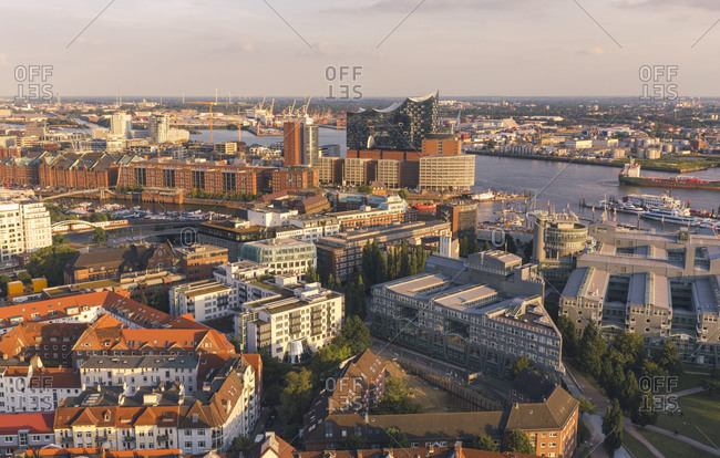 Germany- Hamburg- Aerial view of city and Elbphilharmonie