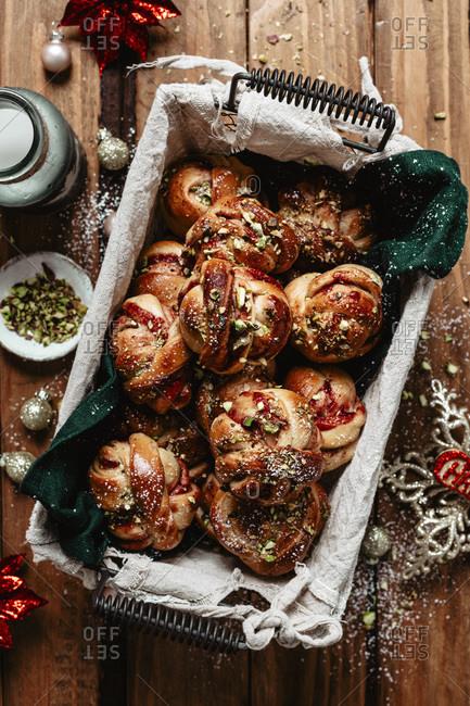 Christmas cinnamon buns into a basket