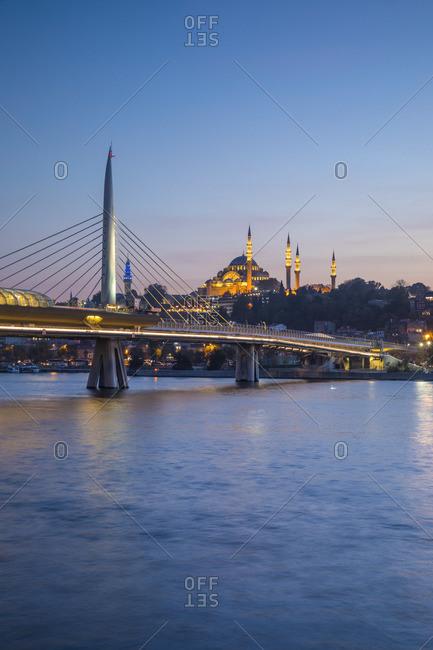 Halic Metro Bridge & Suleymaniye Camii (Mosque), Golden Horn, Istanbul, Turkey