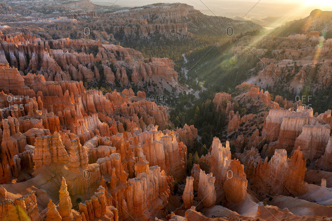 Bryce Canyon amphitheater at sunrise, Inspiration Point, Bryce Canyon  National Park, Utah, USA