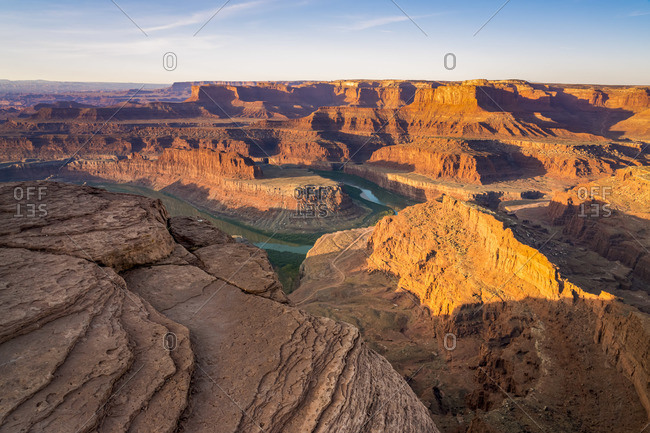 Bend of Colorado river after sunrise at Dead Horse Point, Dead Horse Point State Park, Utah, USA
