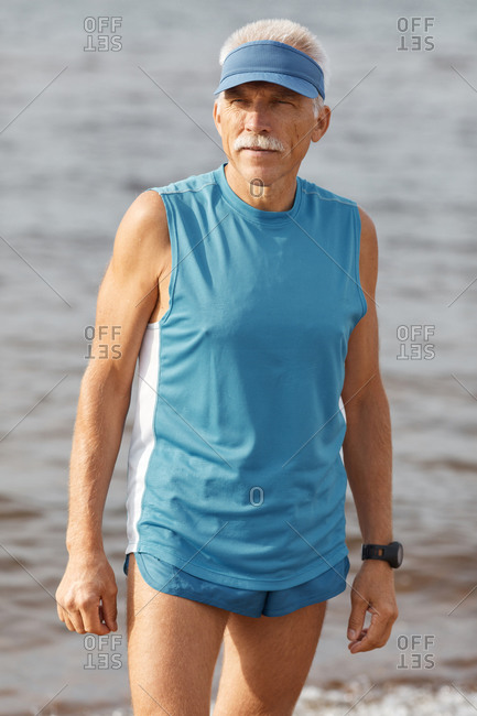 Senior man wearing sporty summer outfit