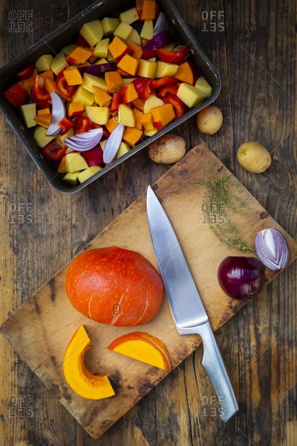Chopped vegetables: Hokkaido pumpkin- potatoes- bell pepper and red onions