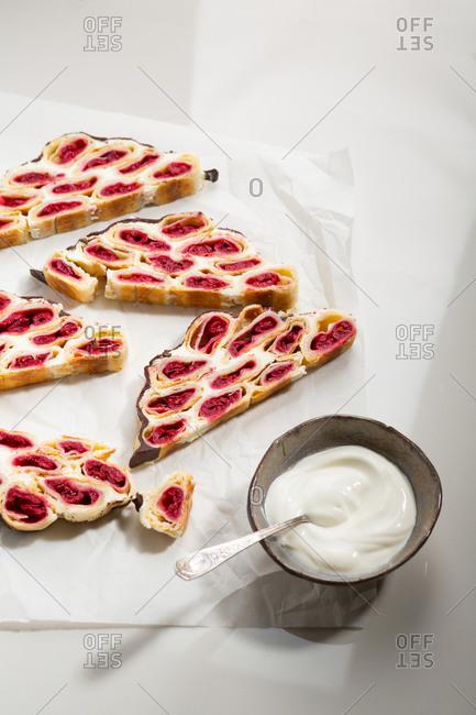 Russian cherry cake sliced