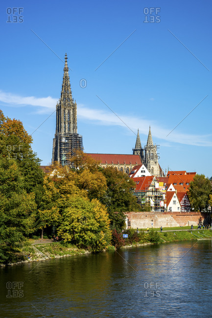 Germany- Baden-Wurttemberg- Ulm- Bank of Danube river with Ulm Minster in background