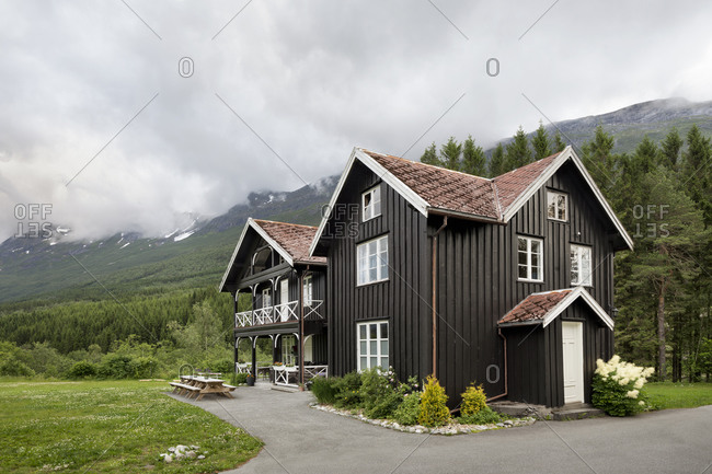 Wooden cabin in Norwegian mountain setting