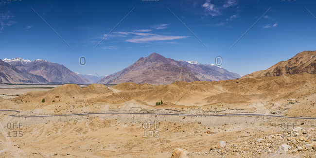 India- Jammu and Kashmir- Ladakh- Nubra Valley- Nubra Valley- Mountain landscape
