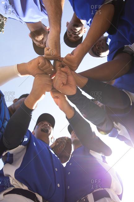 Baseball players preparing the match