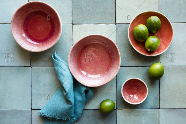 Tableware with limes - Offset Collection