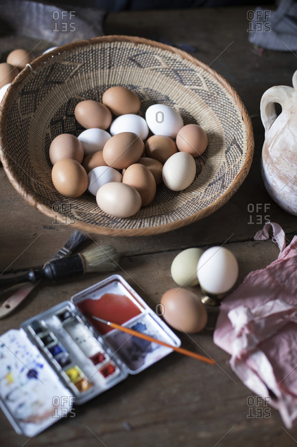 Watercolor paints and eggs - Offset