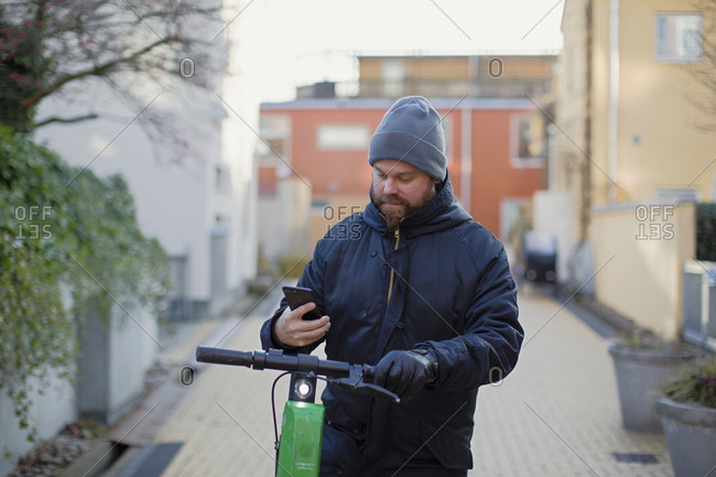 Man using cell phone - Offset