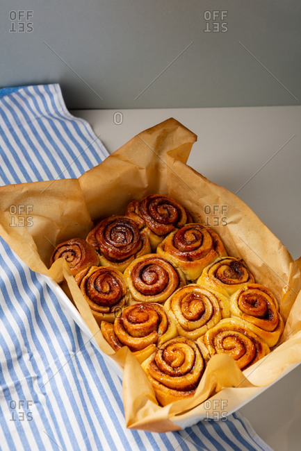 Close up of freshly baked cinnamon buns