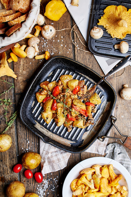 Fried potatoes with mushrooms chanterelles mushrooms