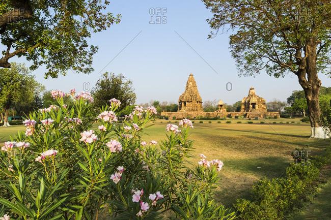 Devi Jagadambika and Kandariya Mahadeva Temple (the Great God of the Cave), Khajuraho Group of Monuments, UNESCO World Heritage Site, Madhya Pradesh state, India, Asia