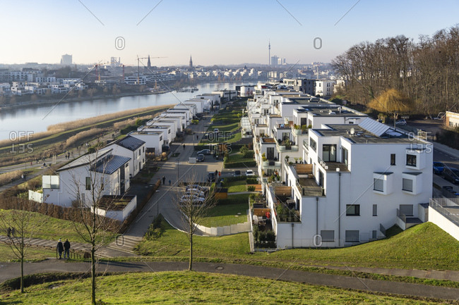 Germany- North Rhine-Westphalia- Dortmund- Modern buildings at Phoenix See lake