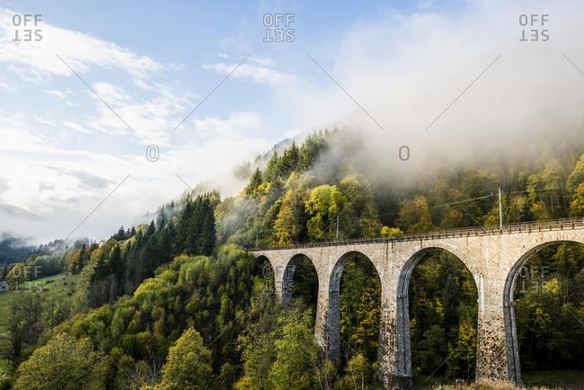 Railway bridge in the Ravenna gorge, Hˆllental in autumn, near Freiburg im Breisgau, Black Forest, Baden-W¸rttemberg, Germany, Europe