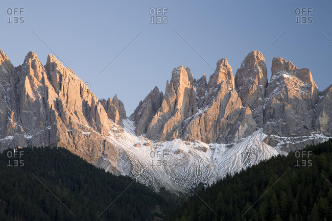 Geisler peaks with first snow, Villnˆfl valley, Dolomites, South Tyrol, Italy, Europe