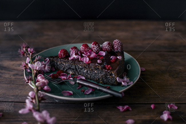 A Poppy Cake with Pink Flowers
