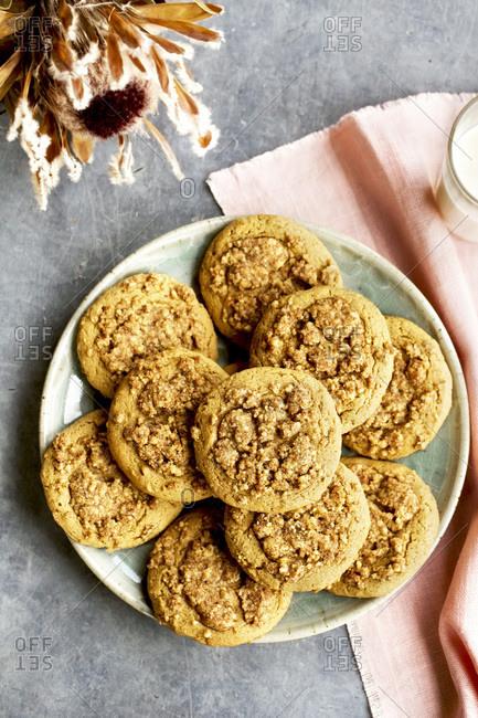 Fresh Baked Crumb Cake Cookies