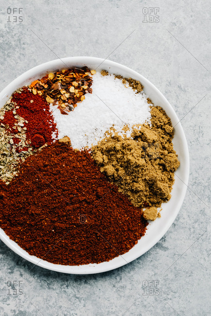 Assorted blend of spices for a chili con carne recipe