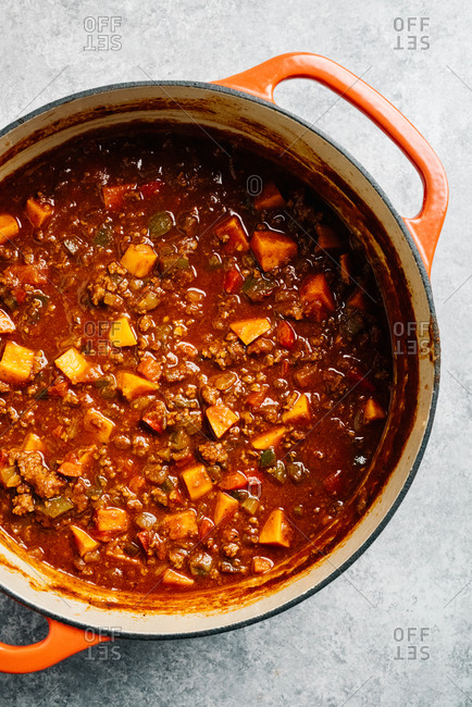 Paleo chili con carne recipe with sweet potato