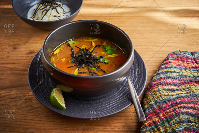 Oriental curry soup with seafood