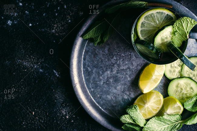 Cucumber detox drink with mint and lime