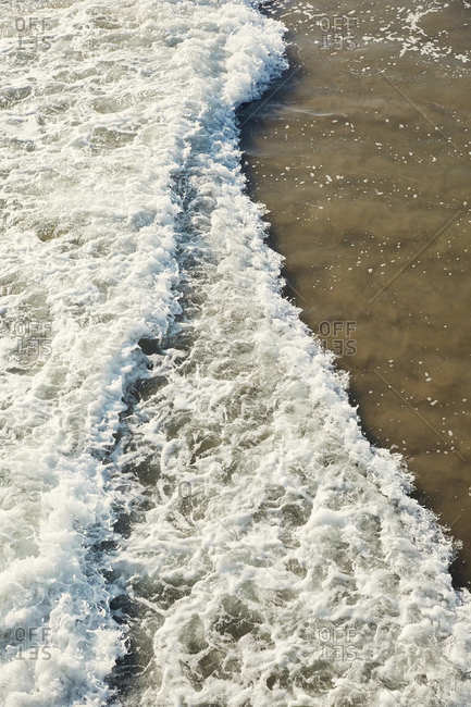 Waves at Venice Beach in California